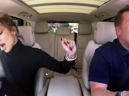 JLo y James Corden en Carpool Karaoke