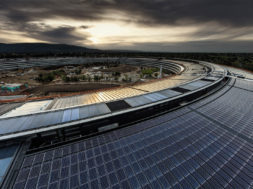 Techo del edificio princial del Apple Park
