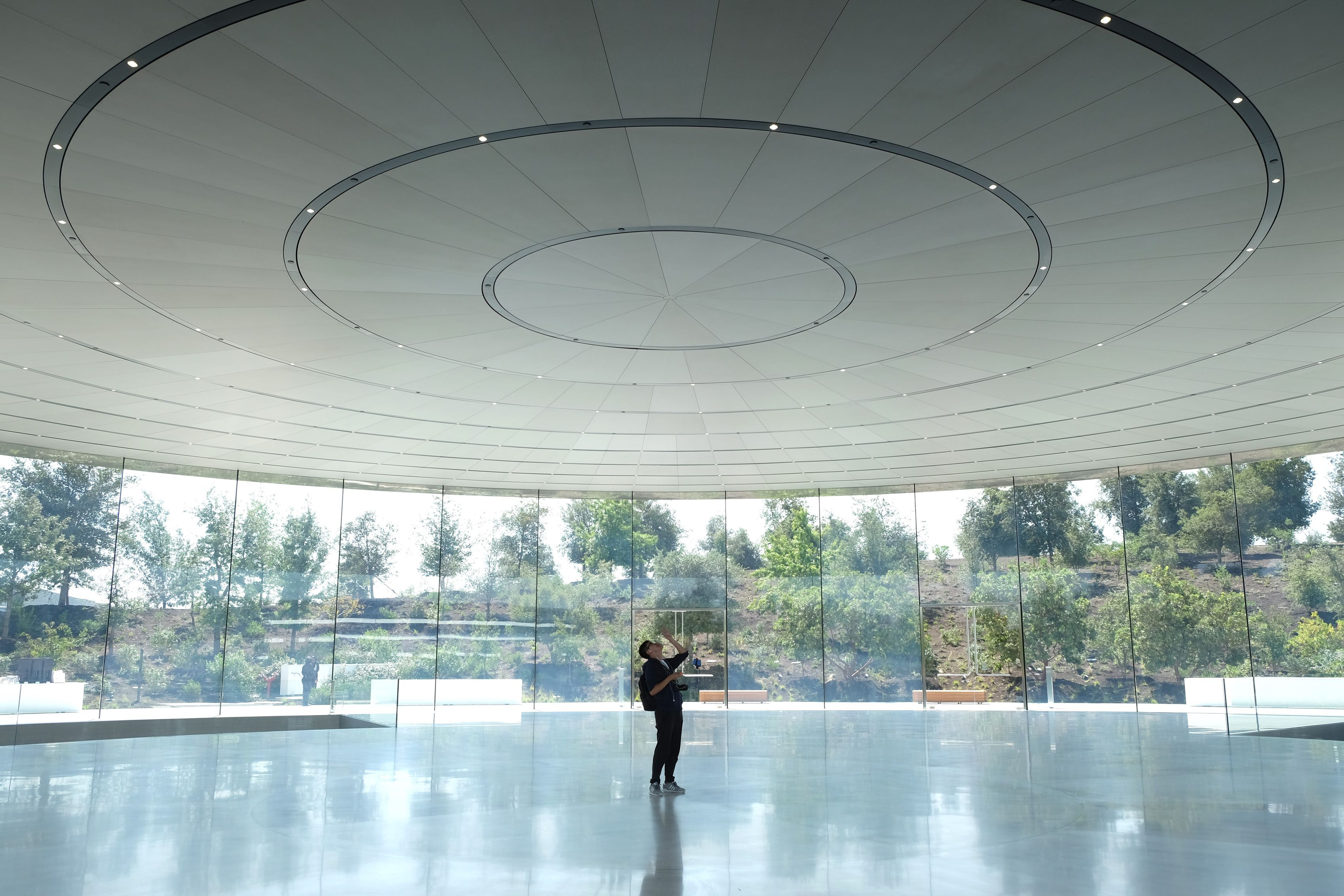 Steve Jobs Theater por dentro