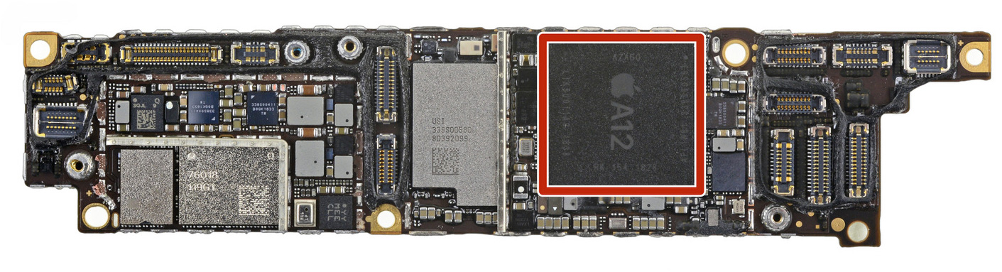 Placa base del iPhone XR con el A12 Bionic