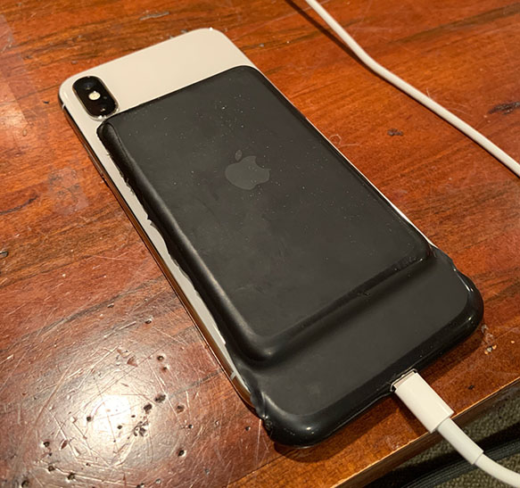 Smart Battery Case modificada para funcionar con un iPhone X