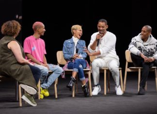 Will Smith y su familia en el Apple Park