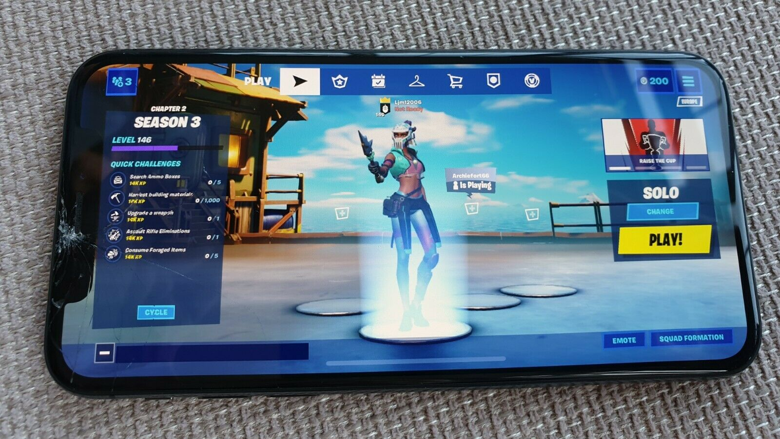 iPhone X con Fortnite instalado